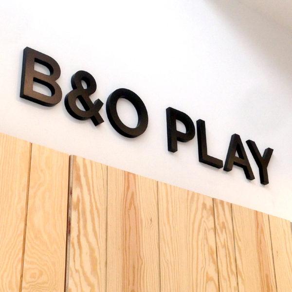 Box & cut Lettering - B&O Play - Screenline